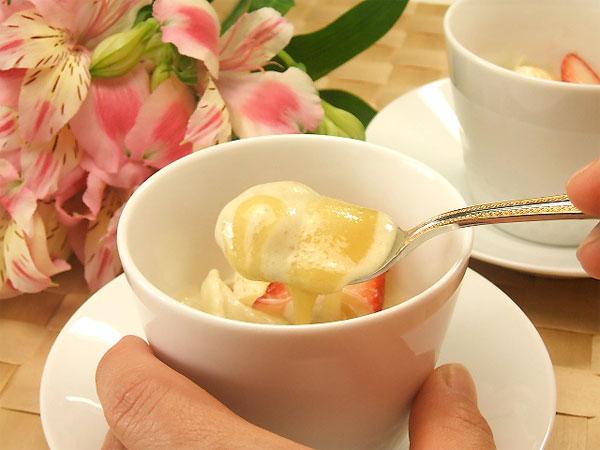 ハチミツレシピひんやりバナナクリームのホワイトマリーはちみつソース1