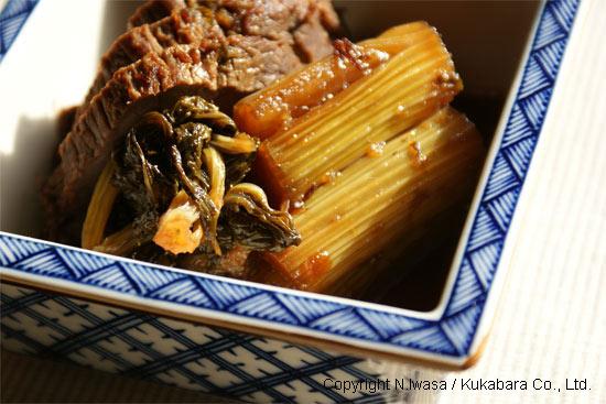 はちみつレシピオーストラリア産ユーカリはちみつアイアン・バーク入り牛肉とセロリの煮物