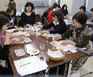 NHK文化センター栄チーズとはちみつの講座100227f