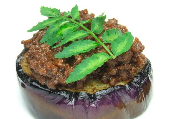 ユーカリはちみつペパーミント入り茄子の肉味噌のせ4