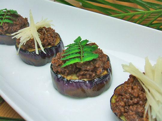 ユーカリはちみつペパーミント入り茄子の肉味噌のせ3