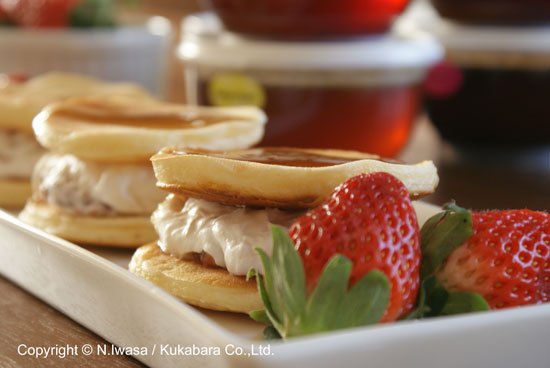 オーストラリア産ユーカリはちみつレシピ「苺はちみつクリームのパイクレット」1