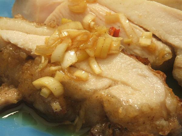 はちみつを使ったアイデアいろいろマヌカはちみつの特製ダレで食べる油淋鶏4